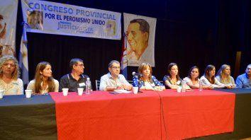 Todos unidos. El congreso del PJ sesionó ayer en el teatro Luz y Fuerza.