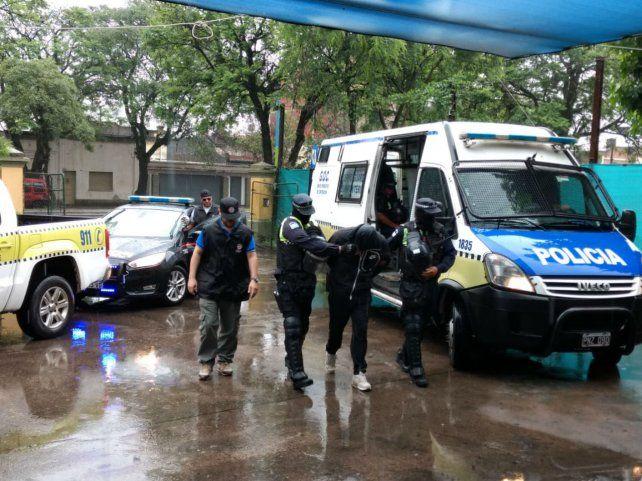 En viaje. Ramón S. fue detenido en Tucumán y ayer era traído a Rosario.