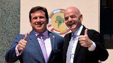 Domínguez, titular de la Conmebol, e Infantino, de la Fifa, coincidieron con la determinación de mudar la final.