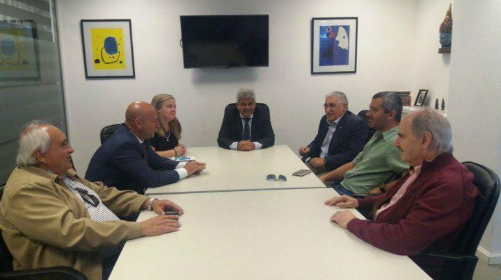 Los representantes de los comerciantes junto a los funcionarios del Ministerio Público de la Acusación.