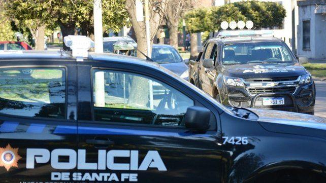 Los sorprendieron teniendo sexo en el auto y quisieron coimear a los policías
