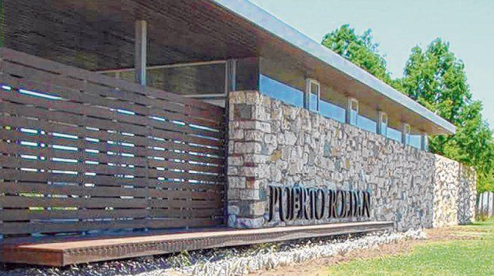 Puerto Roldán. Allí tiene una casa el policía Makhat según un boleto de compra del año 2013.