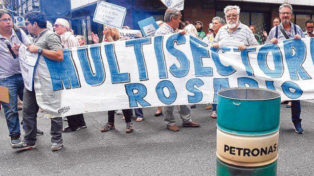 Protesta. Una manifestación realizada frente a las oficinas centrales de Litoral Gas.