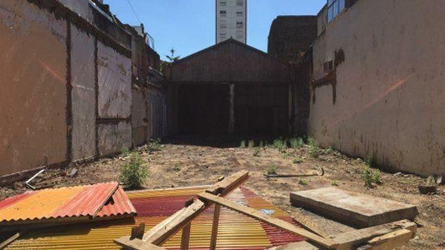 Un predio industrial abandonado de Rodríguez al 1000