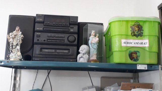 Credos diversos. En Terapia Intensiva del Hospital Provincial conviven las figuras de Buda y la Virgen María.