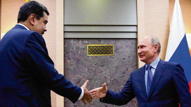 Aliados. Putin recibió a Maduro en su residencia oficial en Moscú.
