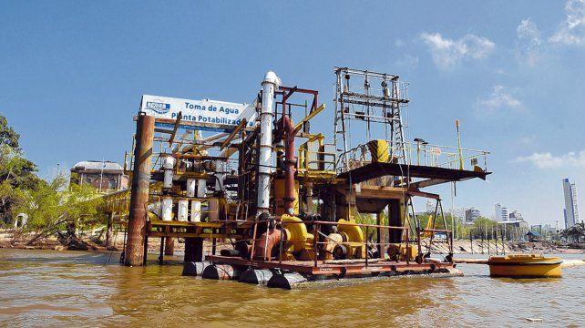 en arroyito. La toma de agua de la planta potabilizadora ubicada sobre el Paraná