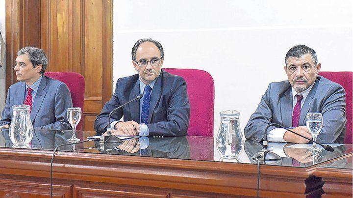 tribunal. Los jueces Eugenio Martínez