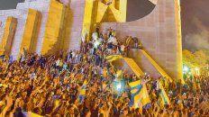 El Monumento Nacional a la Bandera fue epicentro para que los  canallas se juntaran para celebrar la conquista de la Copa Argentina.