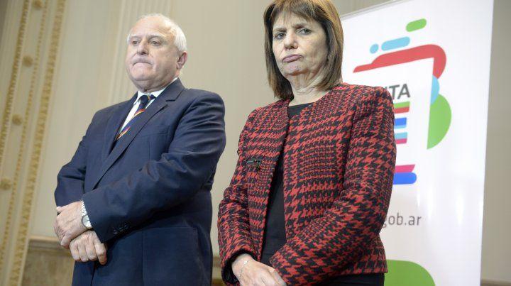 El gobernador Lifschitz en un acto en Rosario junto a la ministra de Seguridad Patricia Bullrich.