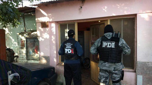 Detienen a 10 personas y secuestra droga en varios allanamientos en Casilda