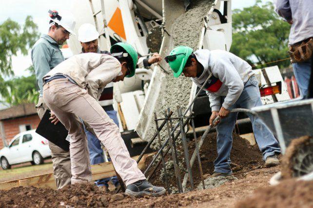 Tareas. Los trabajos en la zona del Centro Universitario Rosario (CUR).
