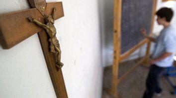 Bajo el crucifijo. La simbología religiosa no representa a todos, y a su vez no condice con la laicidad de provincia y municipio, había dicho Celeste Lepratti, autora de la ordenanza.
