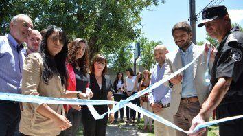Corte de cintas. El intendente Gizzi y Pullaro inauguraron el área.