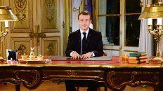 Mensaje. Macron se dirigió por cadena nacional a los franceses desde su despacho en el Elíseo.