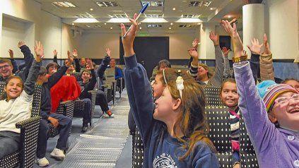 Entretener y captar la atención de los chicos parece ser la clave para los docentes a la hora de enseñar.