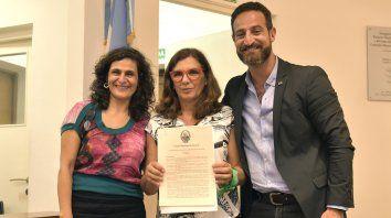 El Concejo distinguió a la periodista de La Capital Marcela Isaías
