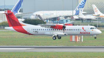 La empresa colombiana dejará de lado uno de los dos vuelos que tiene los miércoles entre Rosario y Buenos Aires. (Foto de archivo).