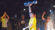 En el festejo. Edgardo Bauza le dio a Central el título de campeón de la Copa Argentina. Tiene 6 meses más de contrato.