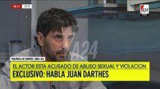 abatido. Darthés en su aparición en la nota concedida al canal América 24. Fue en su casa y frente al periodista Mauro Viale.
