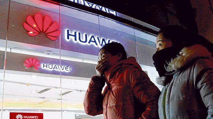Represalia. China cuestiona el arresto el 1º de diciembre de la hija del fundador del emporio tecnológico Huawei.