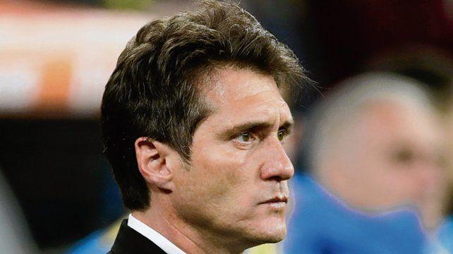 La última imagen. Barros Schelotto sufre la histórica derrota ante River en Madrid.