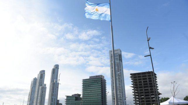 Las fotos del mástil más alto que se inauguró hoy en Rosario