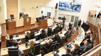 Madrugada a pleno. Los concejales aprobaron el presupuesto a las 6.45, tras haber debatido en comisiones.