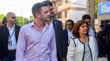 Roy López Molina junto a Patricia Bullrich. El concejal rosarino destacó el trabajo de la ministra en Santa Fe.