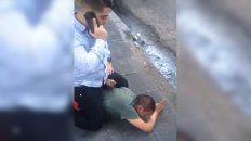 Detuvo a un ladrón pero dos policías se negaron a ayudarlo