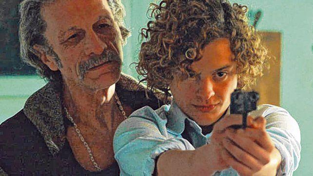 Apunta al Oscar. Daniel Fanego junto a Lorenzo Ferro en una escena de El ángel