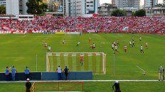 En acción. La reserva enfrentó a Náutico Capibaribe en el Estadio dos Aflitos de Recife.