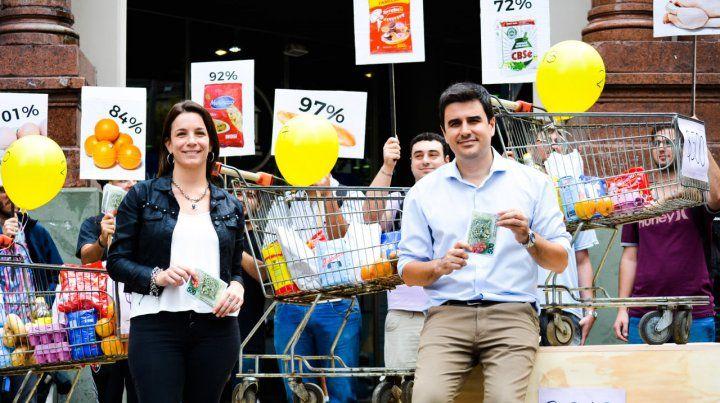 Los legisladores dieron a conocer los datos en una presentación en la intersección de las peatonales Córdoba y San Martín.