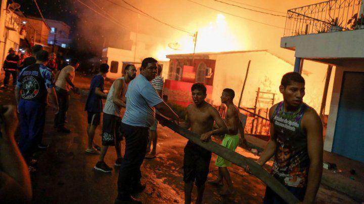 Incendio en uno de los barrios más pobres de Manaos, Brasil