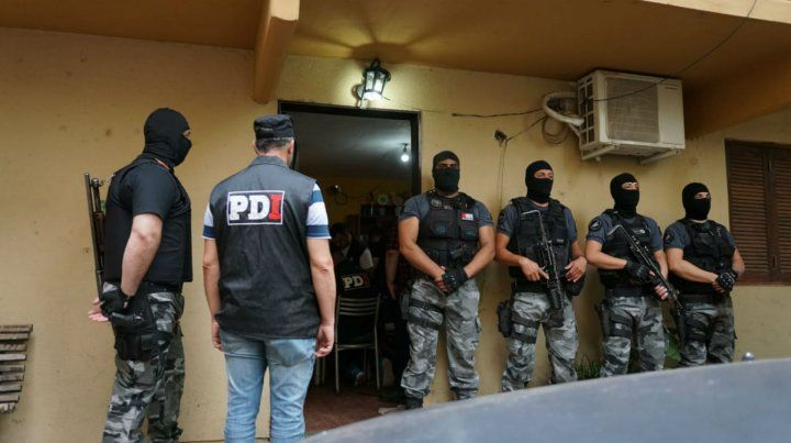Amplio operativo con detenidos y secuestro de estupefacientes en Barrio Municipal