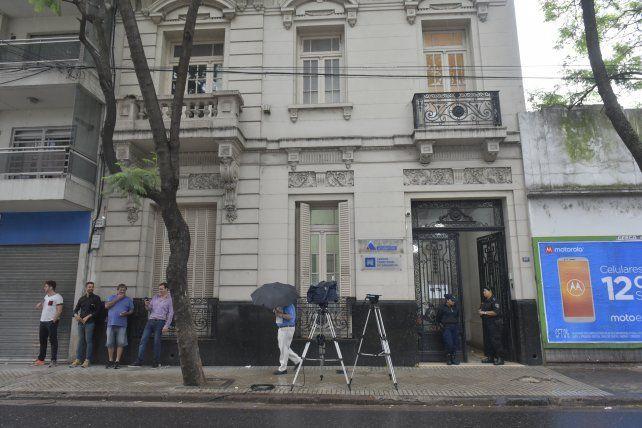 La provincia ofrece dos millones de pesos de recompensa para esclarecer las balaceras contra edificios públicos