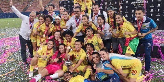 El fútbol femenino es un tremendo caldo de cultivo del lesbianismo