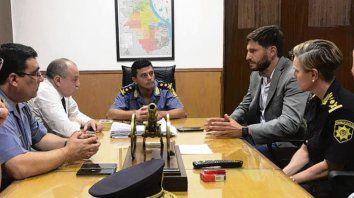 Reunión. El responsable de la Seguridad junto a la nueva cúpula.