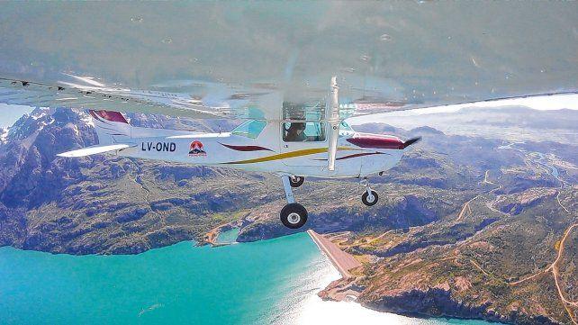 Media hora en el cielo. El avión en el que se realizan los vuelos es un Cessna 152
