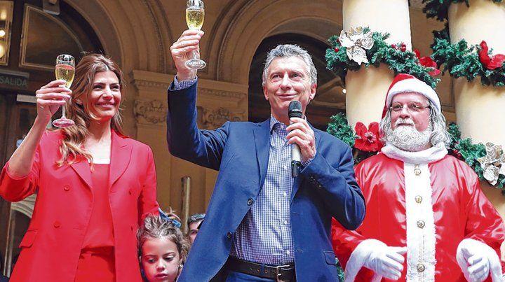 Con Papá Noel. Macri