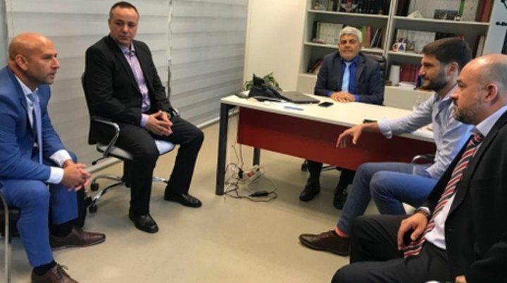 Diálogo entre fiscales y las nuevas autoridades. El fiscal general Baclini y su par regional Serjal recibieron al nuevo jefe de la PDI.