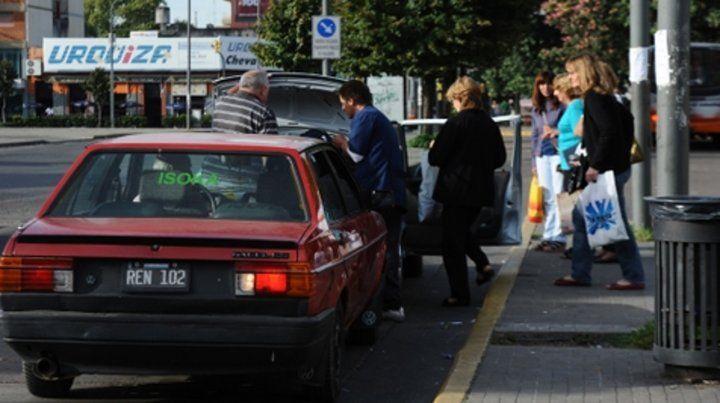 En alerta. El Concejo de Rosario endureció las sanciones contra los remises irregulares.