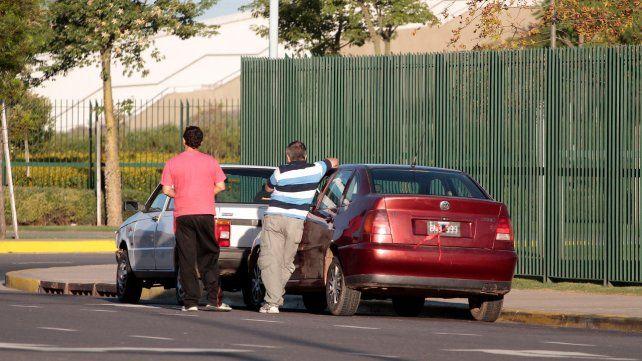 Clandestinos. Los vehículos operan en la zona sur bajo el control del clan Cantero