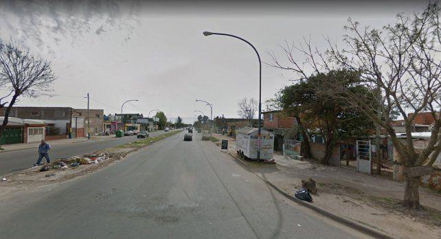 El joven fue asaltado y baleado en Dean Funes y Avellaneda. (Foto: captura de Street View)