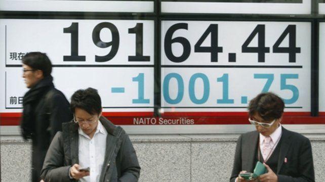 Asia. El índice NIkkei de la Bolsa de Tokio experimentó ayer su peor caída para un día de Navidad.
