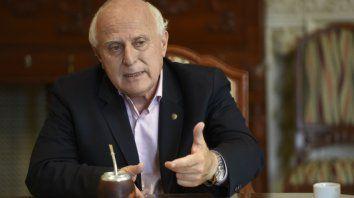El gobernador dispuso una consulta popular para la Reforma de la Constitución provincial.