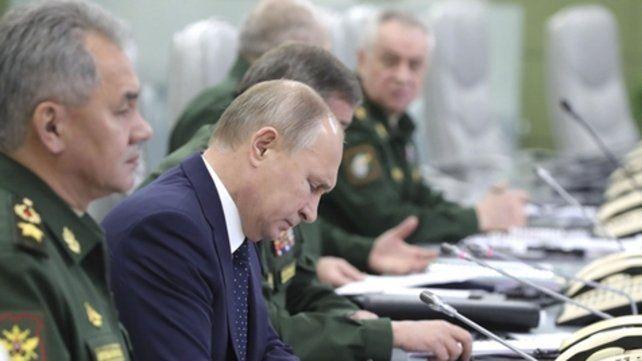 Desafío. Putin supervisó en persona el lanzamiento del poderoso misil.