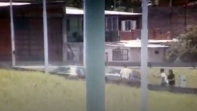 Investigan el ataque a un automovilista que atropelló y mató a un ladrón
