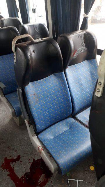 Disparos y sangre en el interior del micro en el que fue ultimada una pasajera.