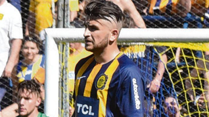 Se va. Elías Gómez jugó poco con Bauza.
